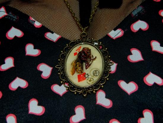 D'ailleurs, j'ai acheté un collier trop génial sur son stand. Je vous fais un article spécial bientôt. ^^